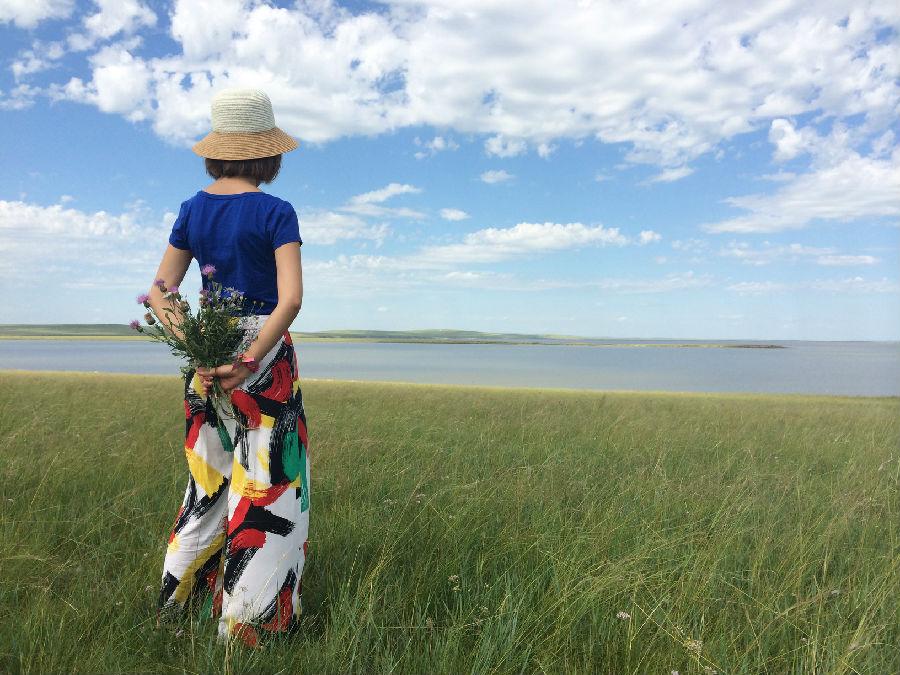 蒙古包不仅适合草原,竟然在山顶上也出现了