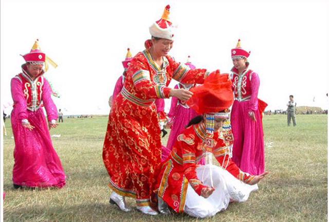 蒙古族迁移一直以来遵循的古老习俗