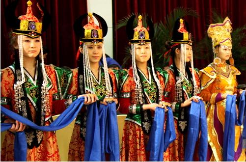 蒙古族哈达的独特寓意