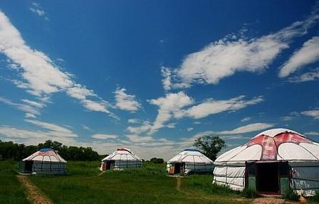 客人来到内蒙古蒙古包做客,主人是怎样接待的