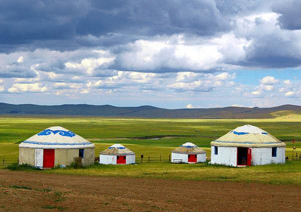 蒙古包中的家族文化