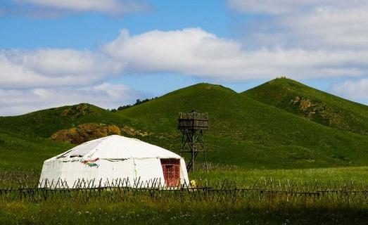 蒙古包的文化习俗——佛龛