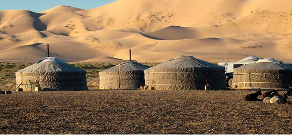 内蒙古蒙古包中家具和装饰简单介绍