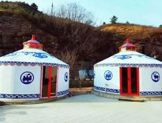 蒙古包内部陈设布局